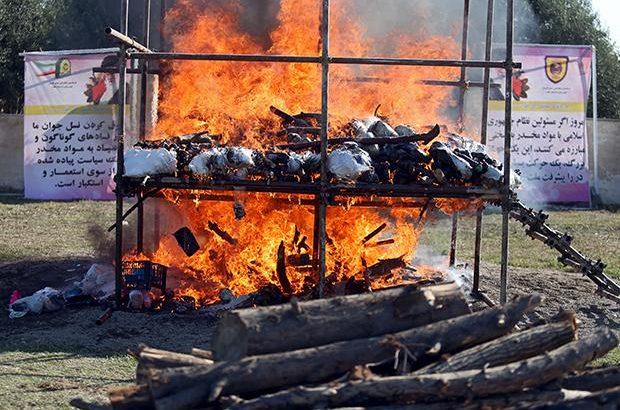 امحاء مواد مخدر توسط فرماندهی نیروی انتظامی