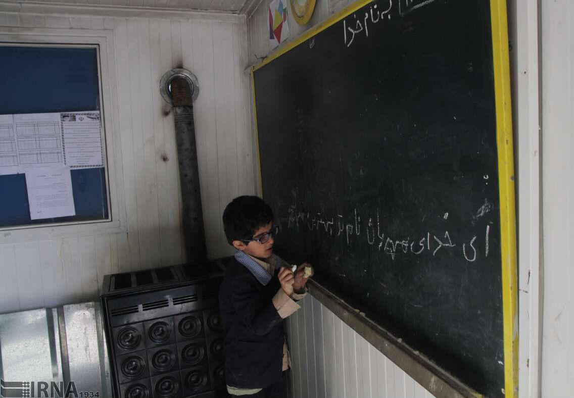 بخاریهای هزار و ۶۰۰ کلاس درس گلستان غیراستاندارد است