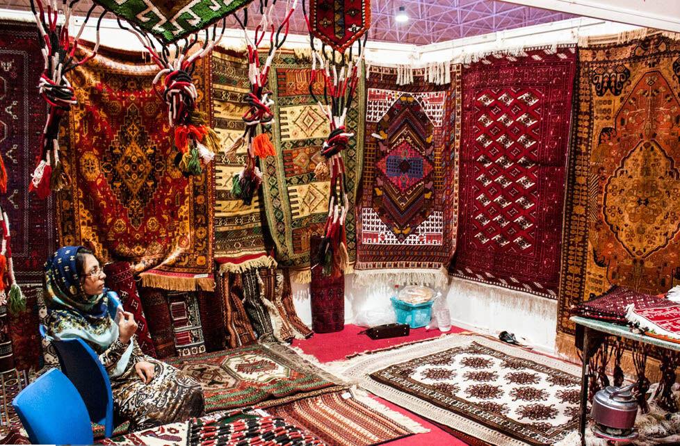 هنرمندان گنبدی به امید بازارچه دایمی صنایع دستی