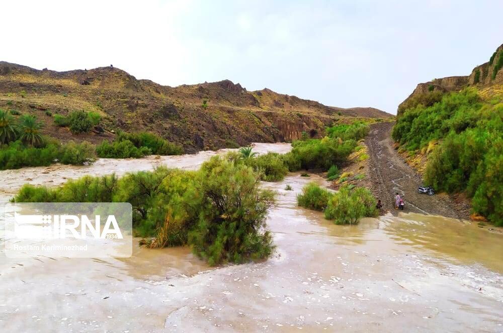 خسارت بارندگیهای فصلی به مسیر اصلی سراوان- خاش