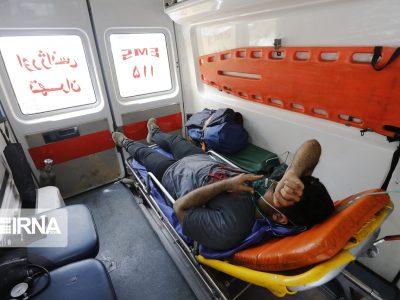 انتقال مسافران اتوبوس واژگون شده به بیمارستان گرمسار
