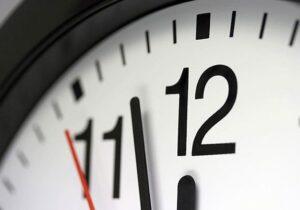 ساعت۲۴اول فروردین ساعت رسمی کشوریک ساعت جلوکشیده میشود