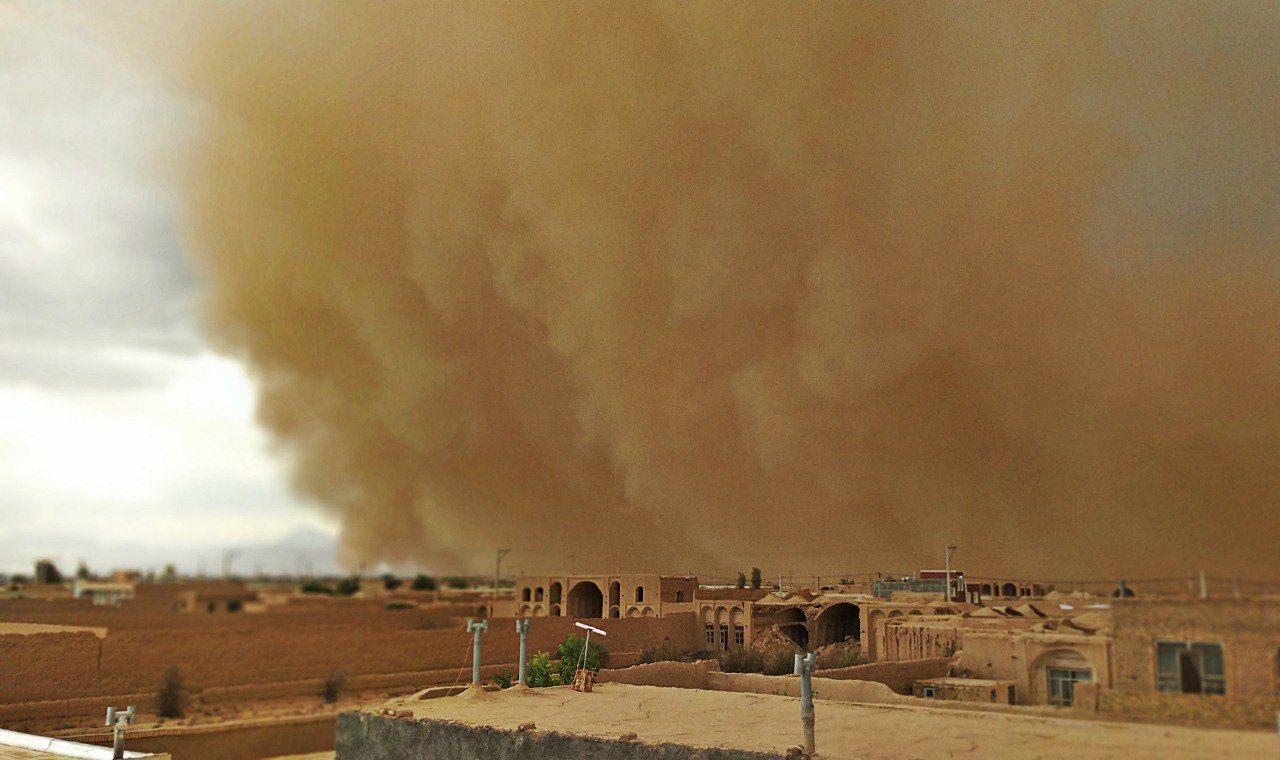 توفان شدید و گرد و خاک سیستان و بلوچستان را فرا میگیرد