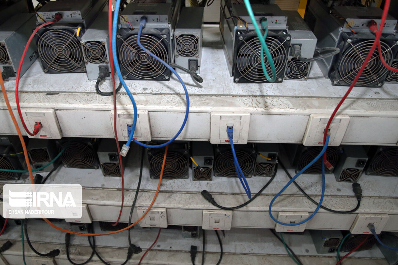کشف ۵۰ دستگاه استخراج ارز دیجیتال در اهواز