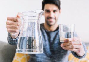 مصرف روزانه  آب چه میزان باشد؟
